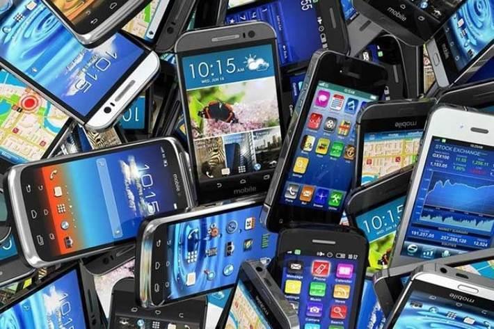 گوشی های هوشمند صعود کرد